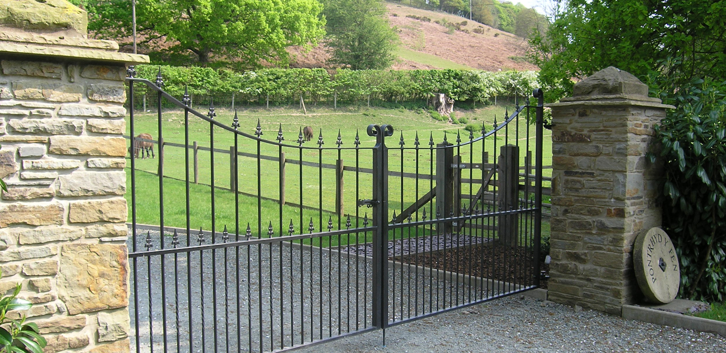 Make your entrance grand with great gatesGreat Gates